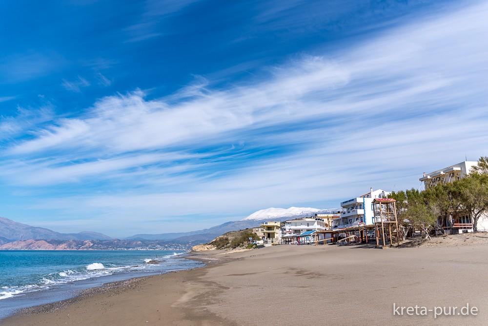 Winterurlaub in Kalamaki, Kreta - unten Strand, oben Schnee
